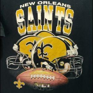 3❤️$20. New Orleans Saints Tee Shirt. Size M.